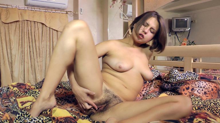 Hd Wide Open Hairy Pussy