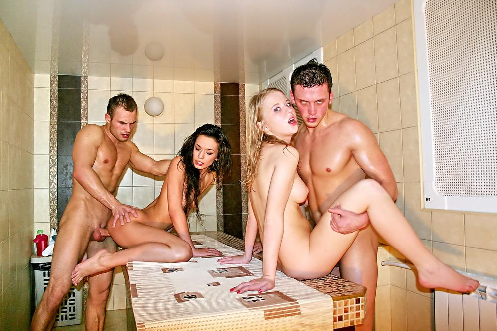 Русские Порно Вечеринки В Сауне